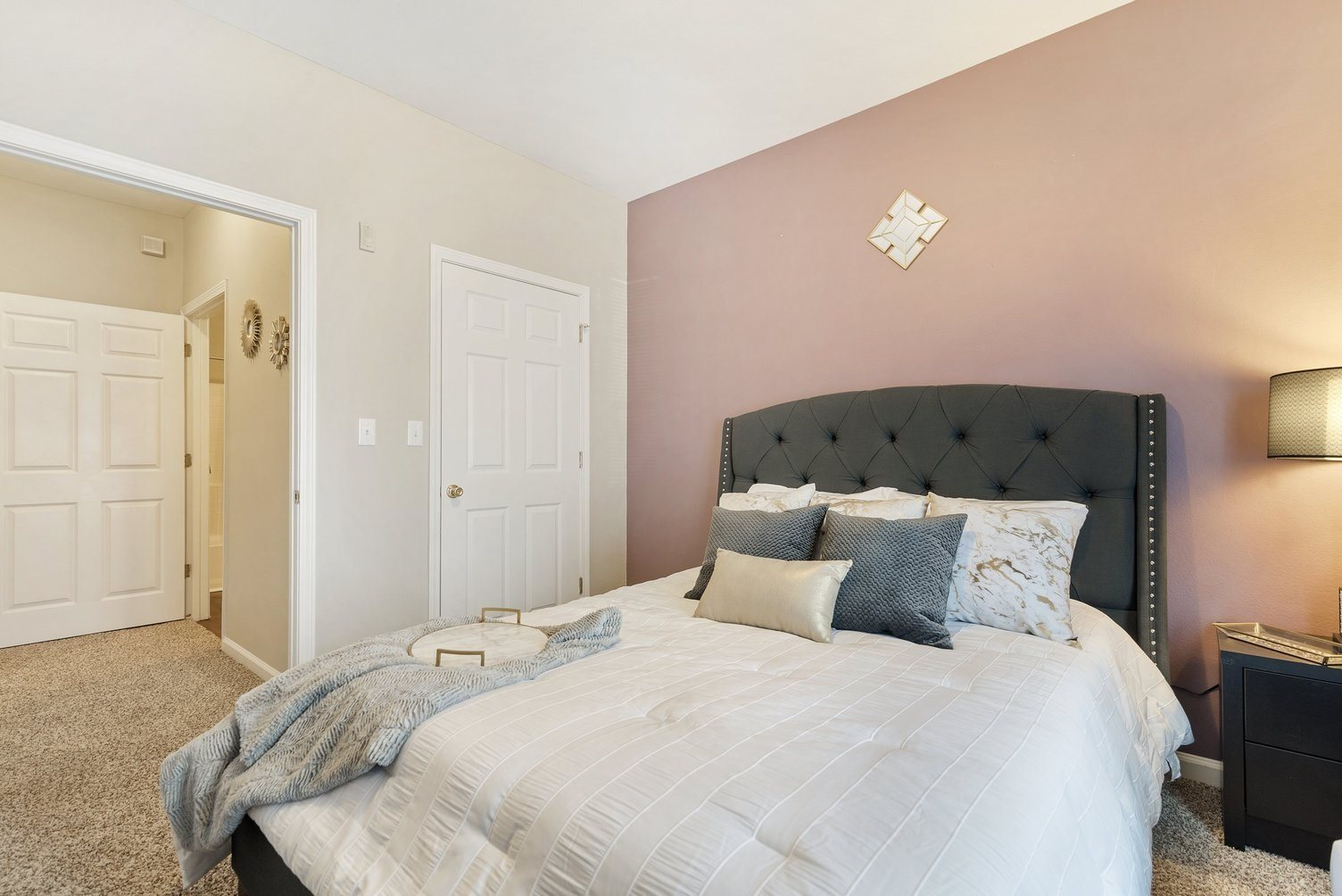 Spacious Bedrooms at Fairfield Lake Apartments