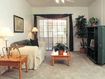 2323 W DUNLAP AVE 1-2 Beds Apartment for Rent Photo Gallery 1