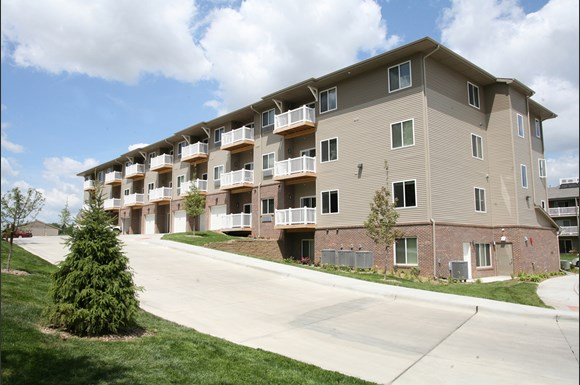 Pacific West Apartments, 14121 Pierce Plaza, Omaha, NE ...