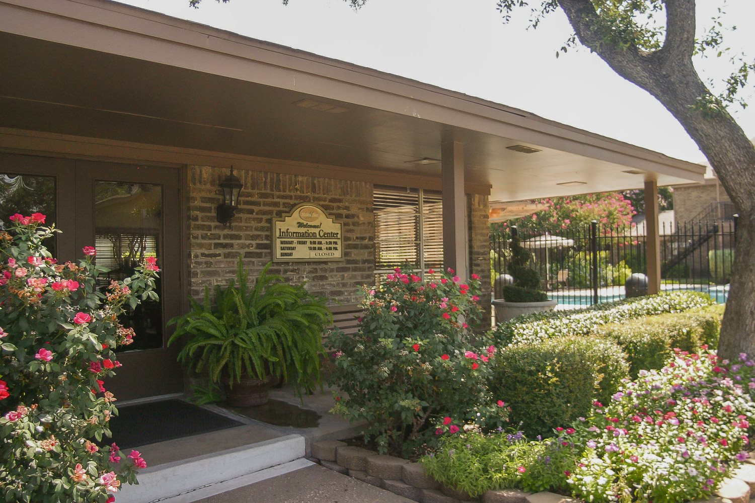 Leasing Center Exterior Property Photo at Marland Place Apartments in Temple , TX  76502