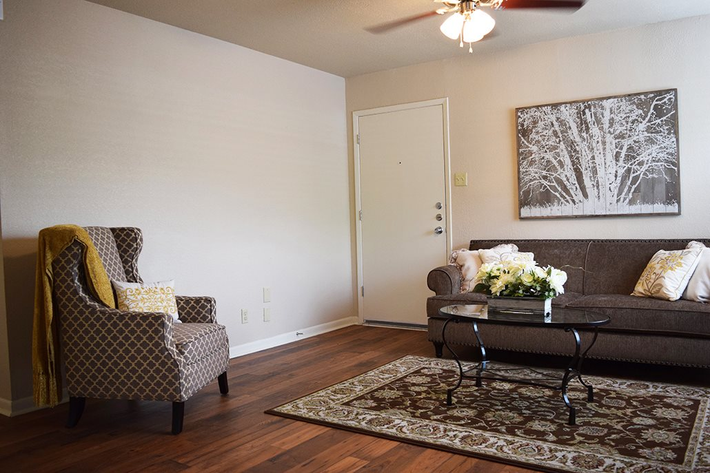 Living Room Property Photo at Marland Place Apartments in Temple , TX  76502
