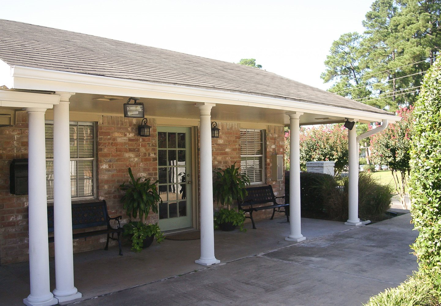 Exterior Property Photo at Woodhollow Apartments in Huntsville , TX 77340