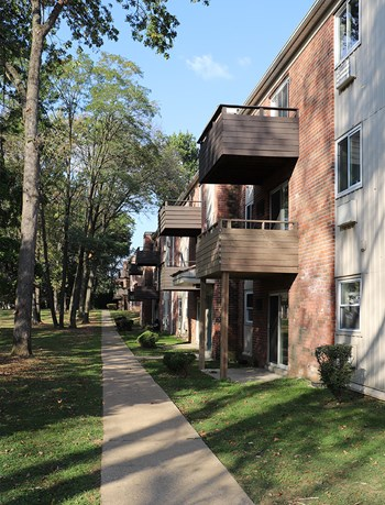 2220A Alsace Road 1-2 Beds Apartment for Rent Photo Gallery 1