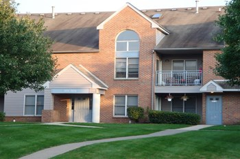 100 Eagle Drive 1-2 Beds Apartment for Rent Photo Gallery 1