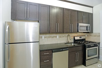 28 Gates Avenue 1-2 Beds Apartment for Rent Photo Gallery 1