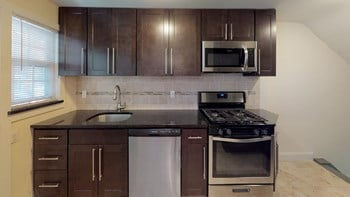 480 Valley Rd 2 Beds Townhouse for Rent Photo Gallery 1