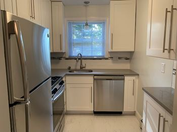 Goodmans Crossing 1-2 Beds Apartment for Rent Photo Gallery 1