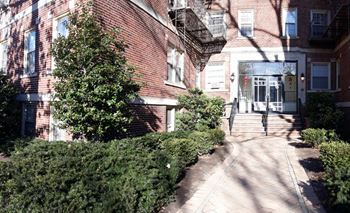 55 Monroe Place 1-2 Beds Apartment for Rent Photo Gallery 1