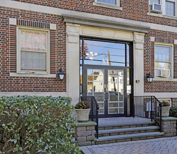 64 Park Avenue Studio-2 Beds Apartment for Rent Photo Gallery 1