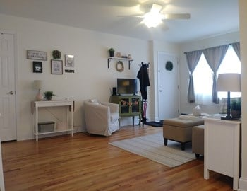 1 Pikeview Lane 1-2 Beds Apartment for Rent Photo Gallery 1