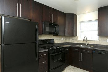 350-360 Crowells Road 2 Beds Apartment for Rent Photo Gallery 1