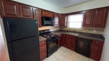 785 Green Street 1-2 Beds Apartment for Rent Photo Gallery 1