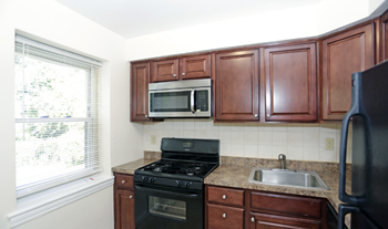 1143 Kennedy Blvd. 1 Bed Apartment for Rent Photo Gallery 1