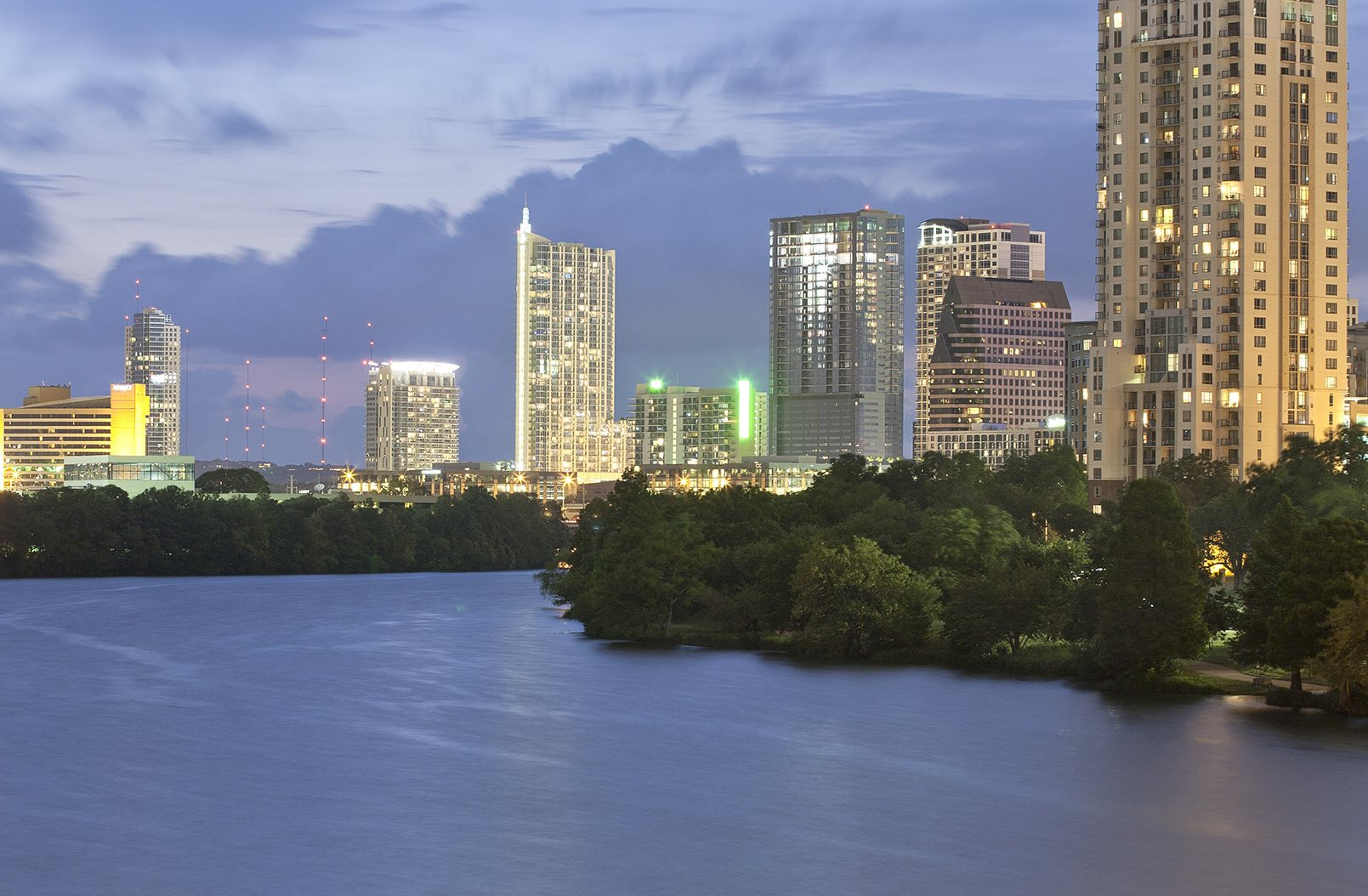 Windsor On The Lake Downtown Austin Luxury Apartments Home