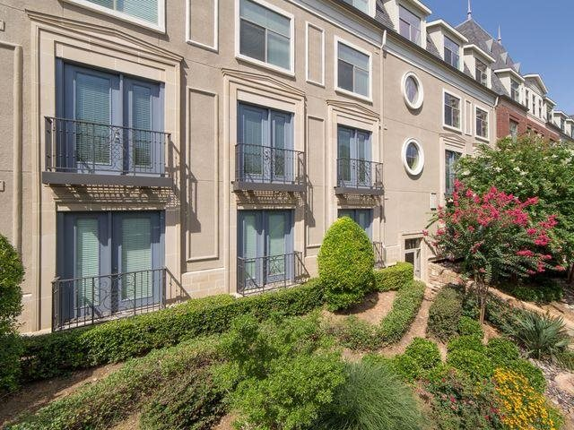 Select homes offer juliet balconies with a view of our professionally At Trianon by Windsor, Dallas,75201