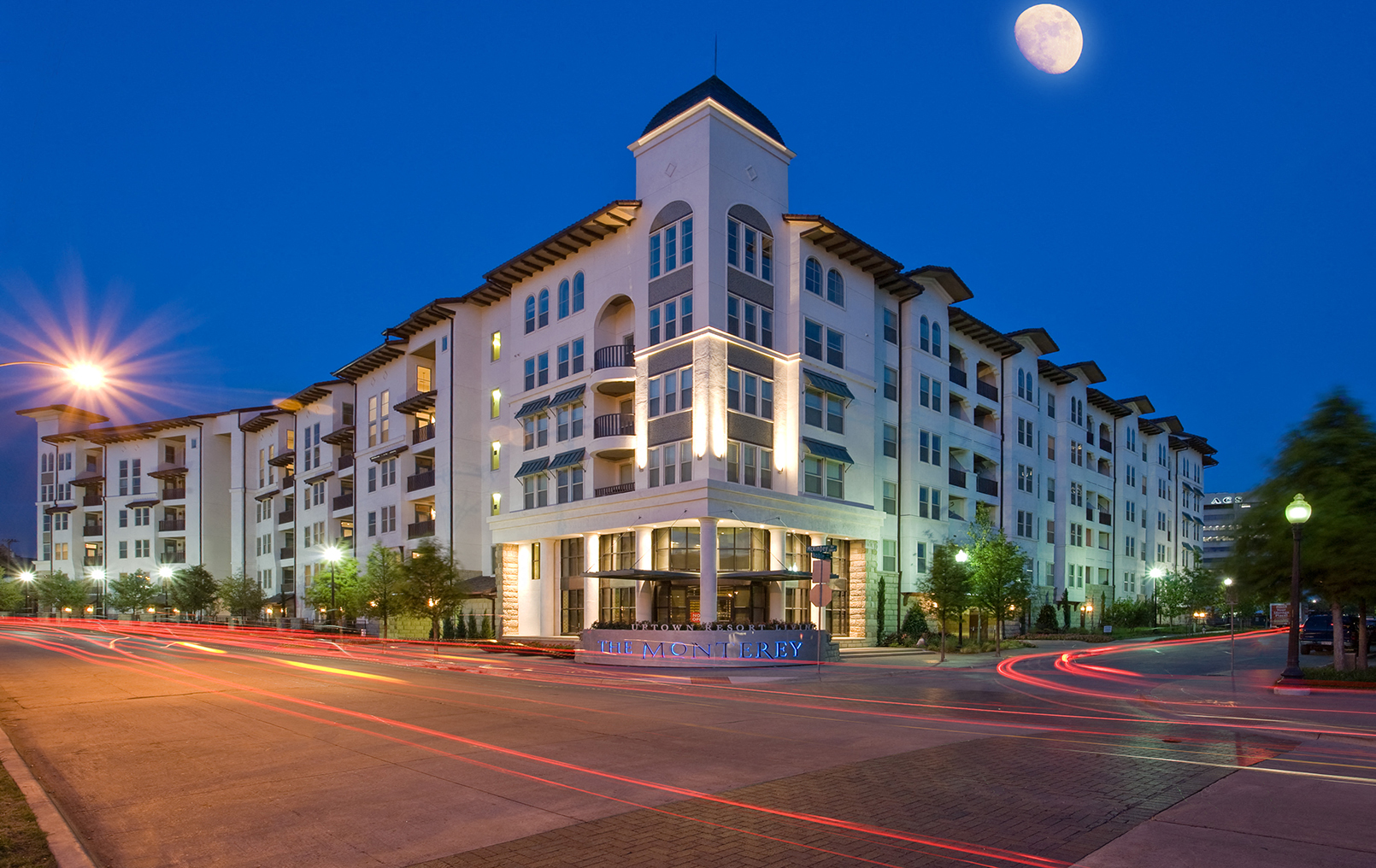 The Monterey By Windsor Apartments Building
