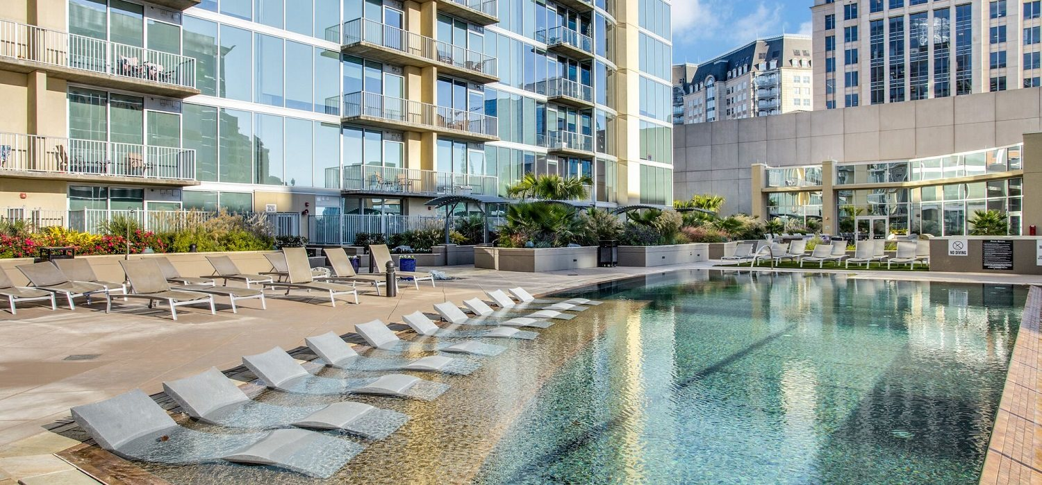 Uptown Dallas Apartments for Rent | Glass House by Windsor