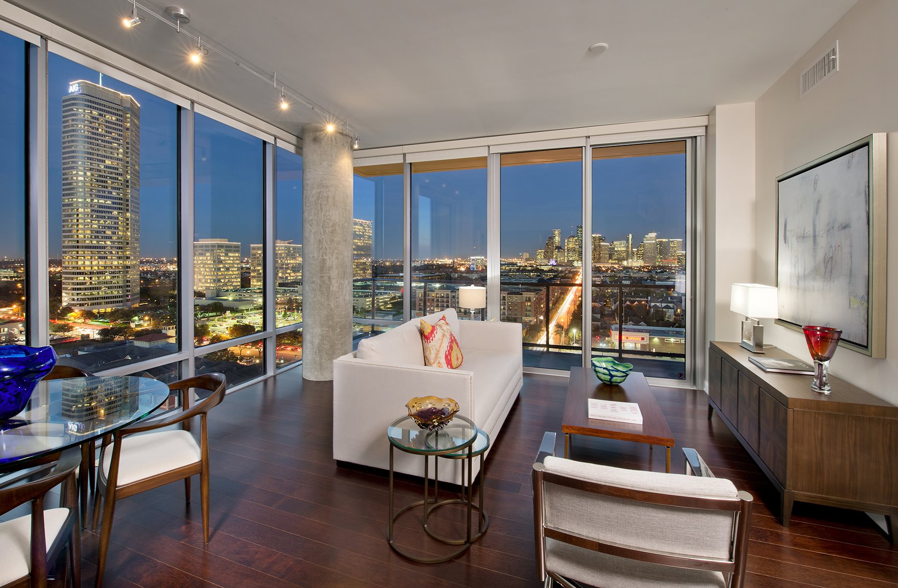 Luxurious Interiors With Modern Lighting at The Sovereign at Regent Square, 3233 West Dallas, Houston, TX