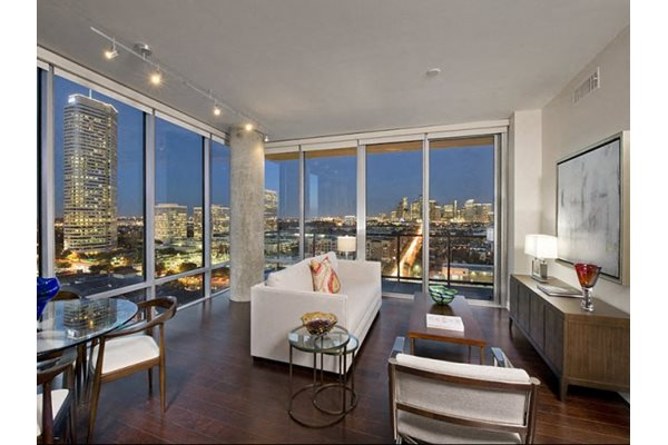 The Sovereign At Regent Square Apartments, 3233 West