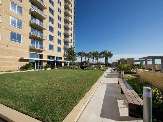 Great Lawn, at The Sovereign at Regent Square, 3233 West Dallas, Houston, TX 77019