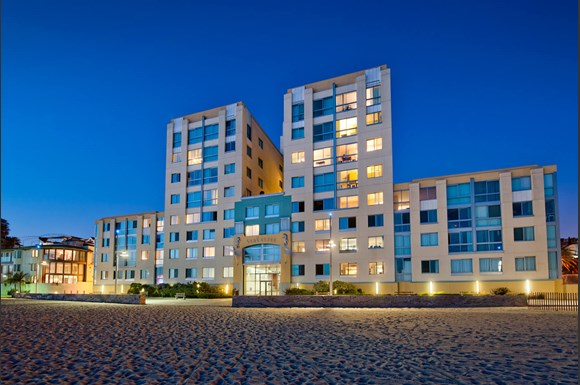 Welcome To Sea Castle Luxury Apartment Homes Available At 1725 Ocean Front Walk Santa Monica