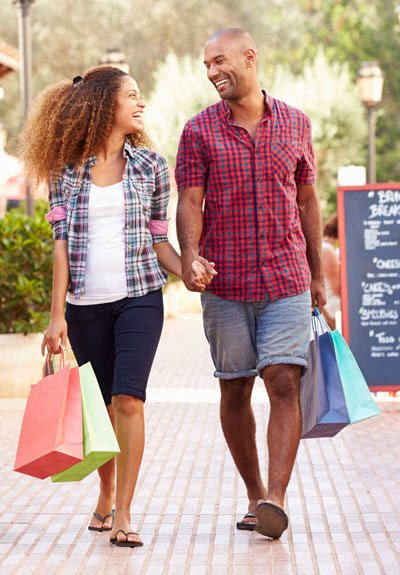 Easy Shopping Access at Terraces at Paseo Colorado