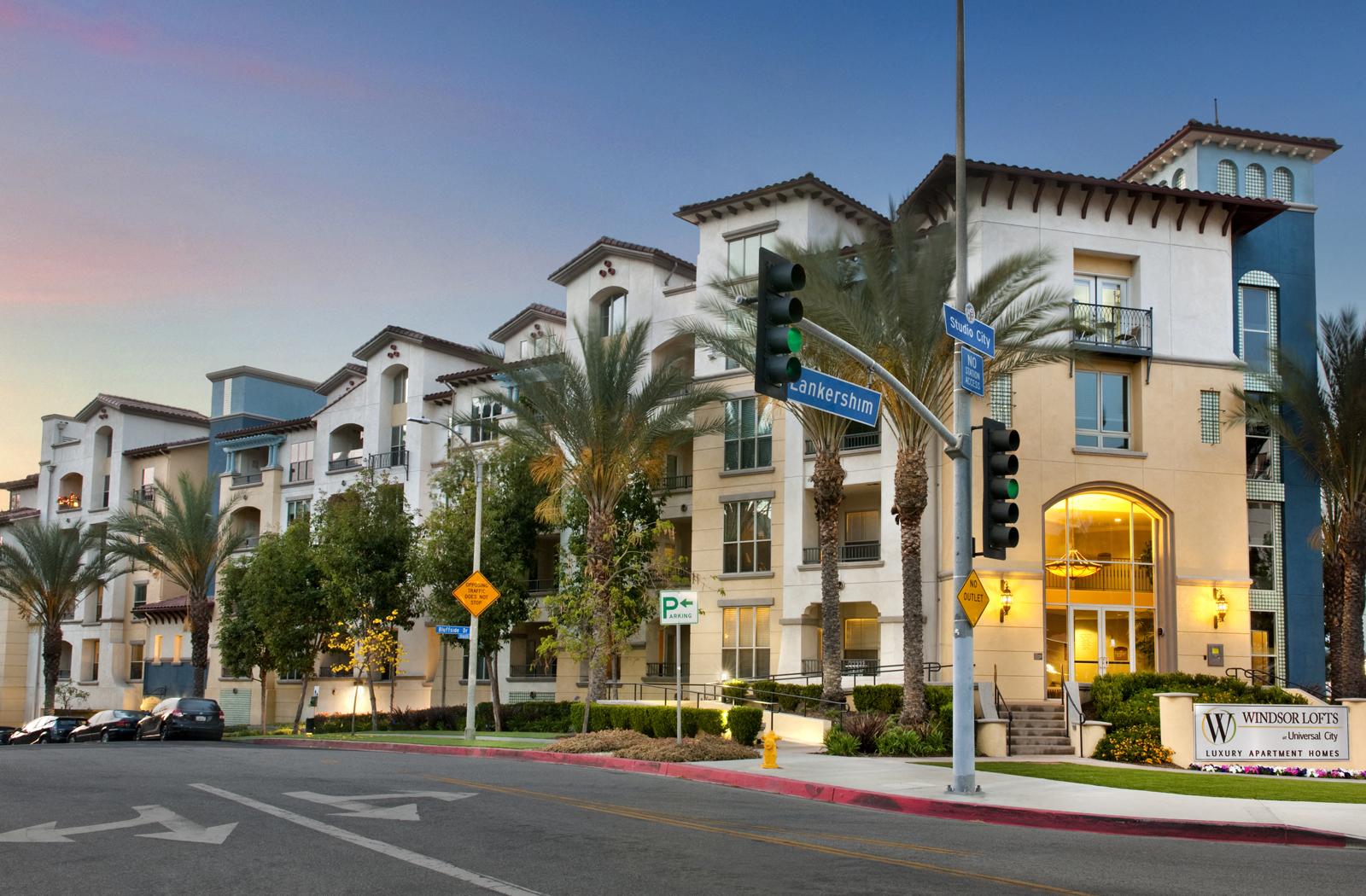 Renovated Apartment Homes Available At Windsor Lofts At Universal City,  Studio City, CA,