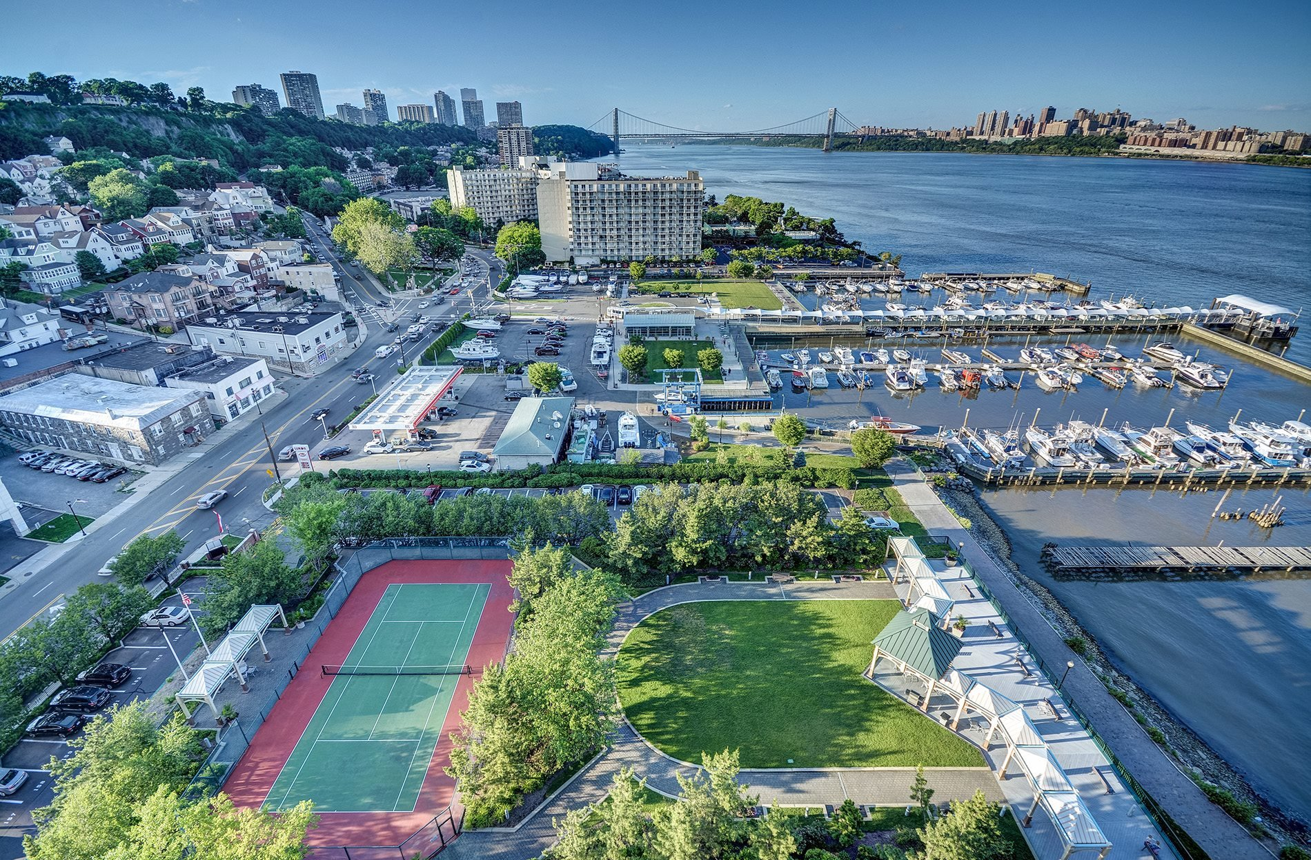 Windsor At Mariners Luxury Apartments In Edgewater Nj