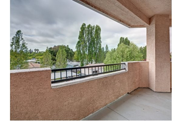 Private Patios-balconies at Windsor at Redwood Creek, Rohnert Park, CA