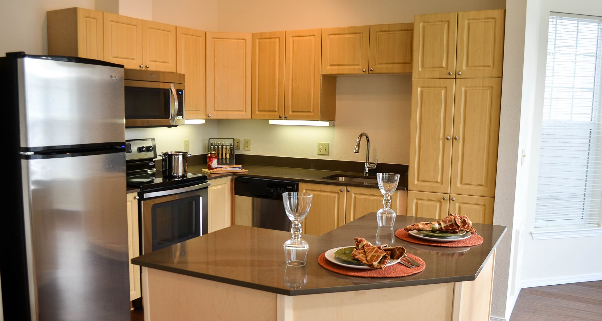 Luxury Apartments For Rent In Redmond Wa Reflections By