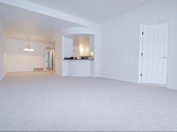 1275 Oakridge Ave. 2 Beds House for Rent Photo Gallery 1