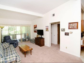 1016 Chester Rd. 1-2 Beds Apartment for Rent Photo Gallery 1