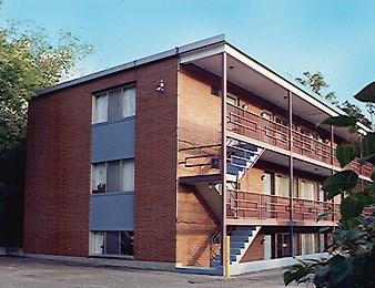 129 Burcham Apartments Community Thumbnail 1