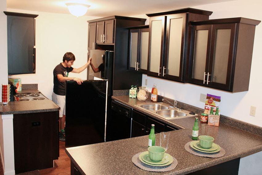 East Lansing Apartments Near Michigan State University | Americana B Apartments
