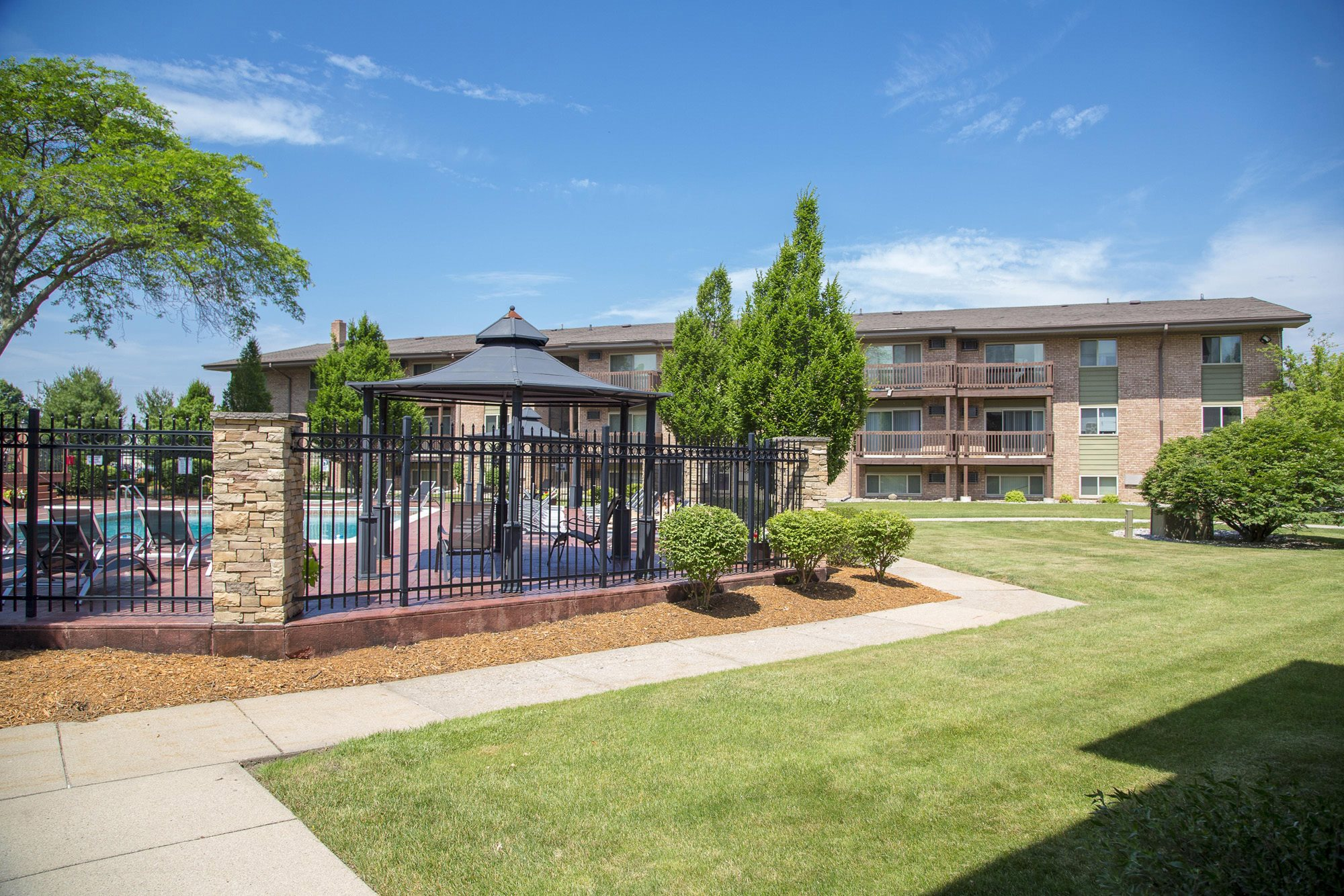 Apartments near Michigan State University | Berrytree Apartments