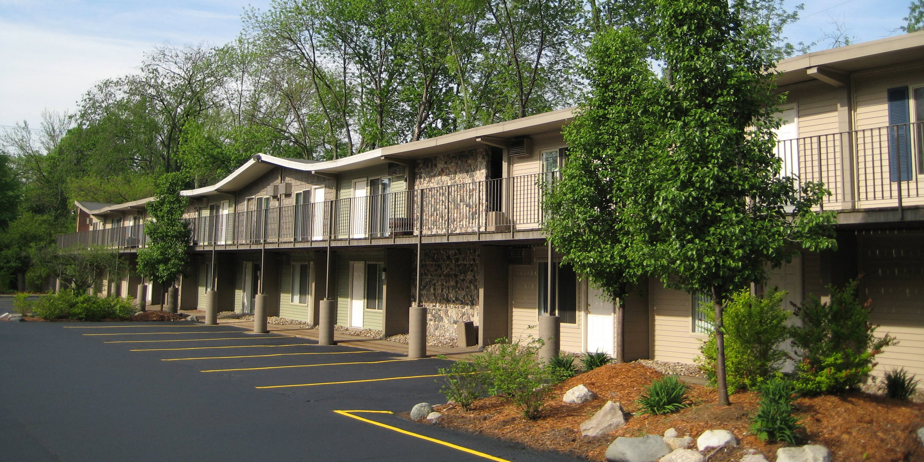 Burcham Woods Apartments Apartments In East Lansing Mi