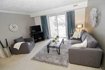 2430 Burnt Tree Lane 1-2 Beds Apartment for Rent Photo Gallery 1