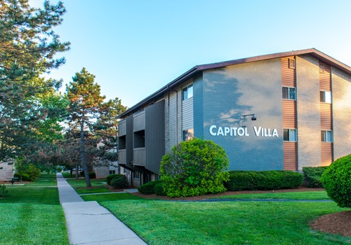 Capitol Villa Apartments Community Thumbnail 1