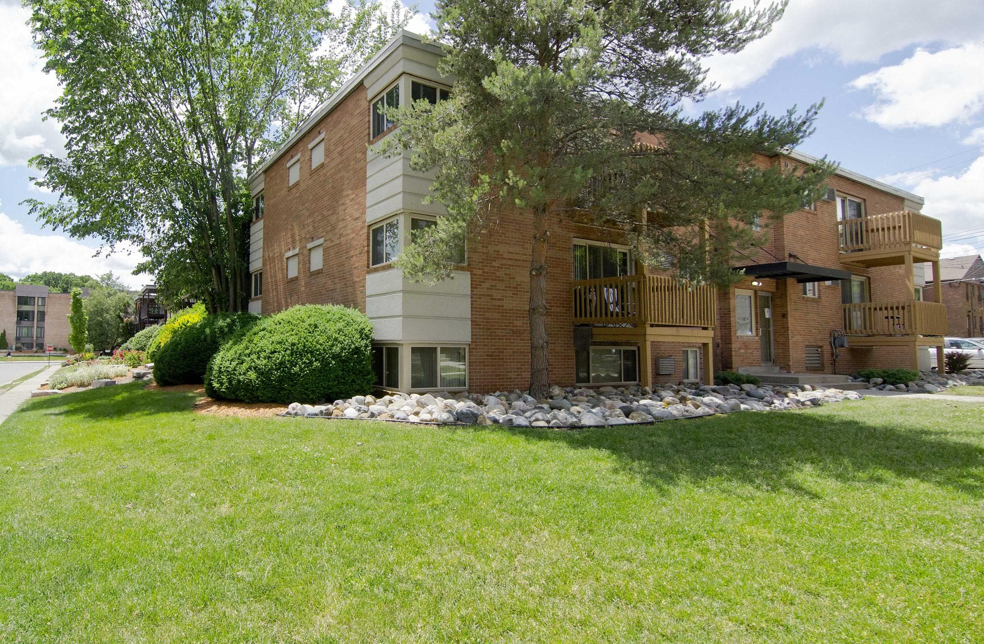 Apartments in East Lansing near Michigan State University | Cedar Street Apartments