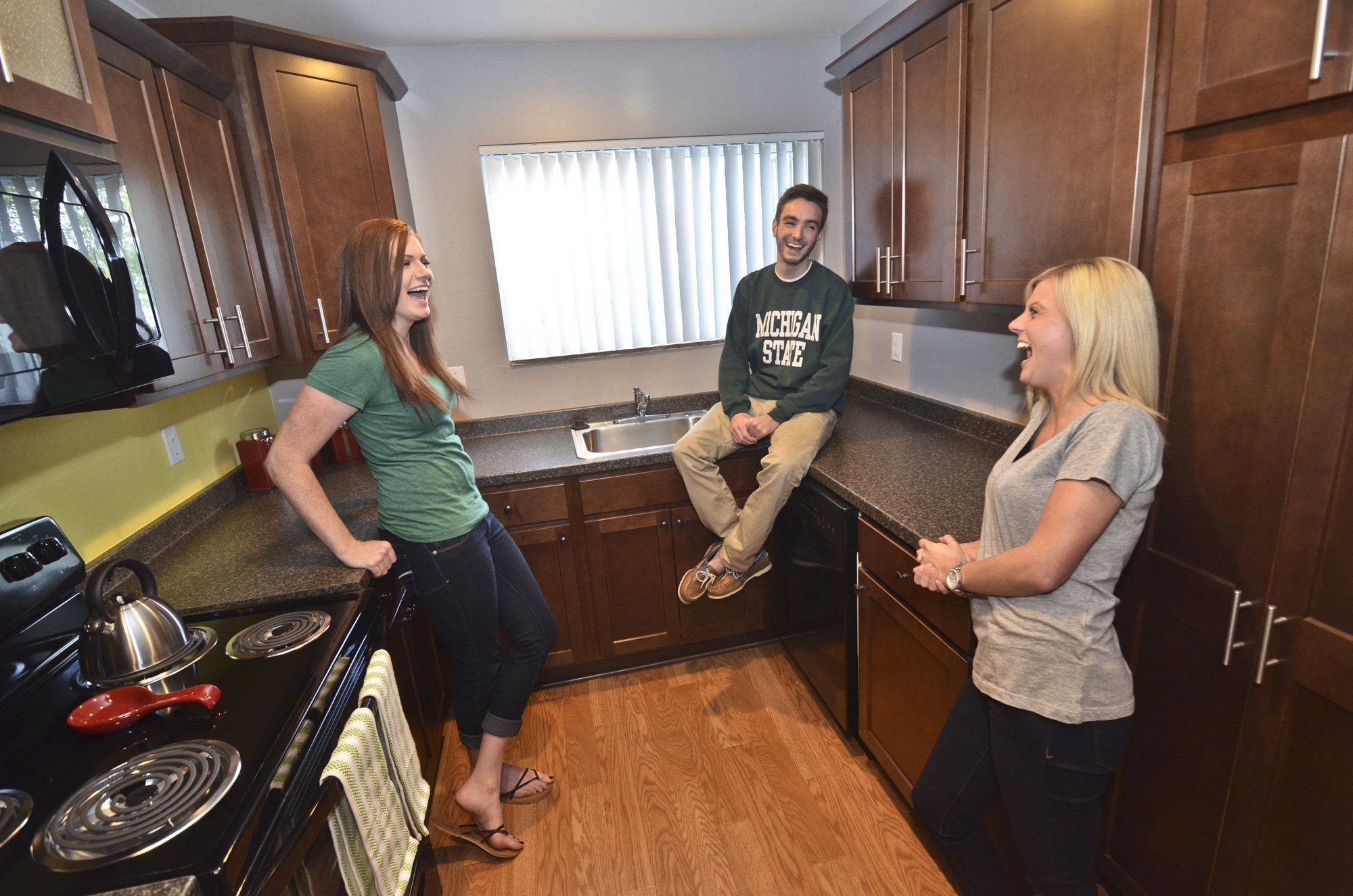 East Lansing Apartments near Michigan State University | Collingwood Apartments