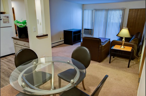 Delta arms apartments apartments in east lansing mi - 3 bedroom apartments east lansing mi ...