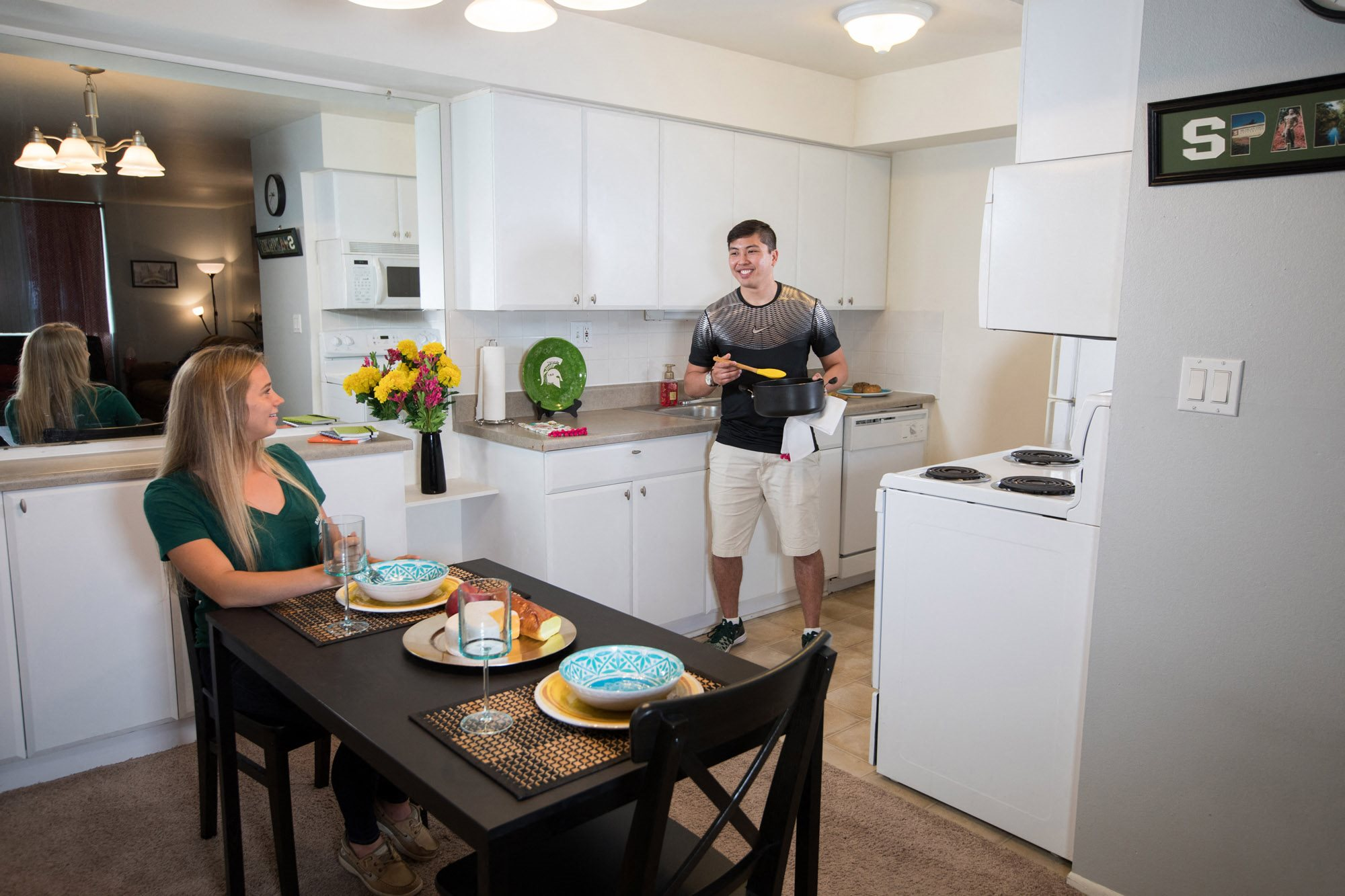 East Lansing Apartments | East Knolls Apartments