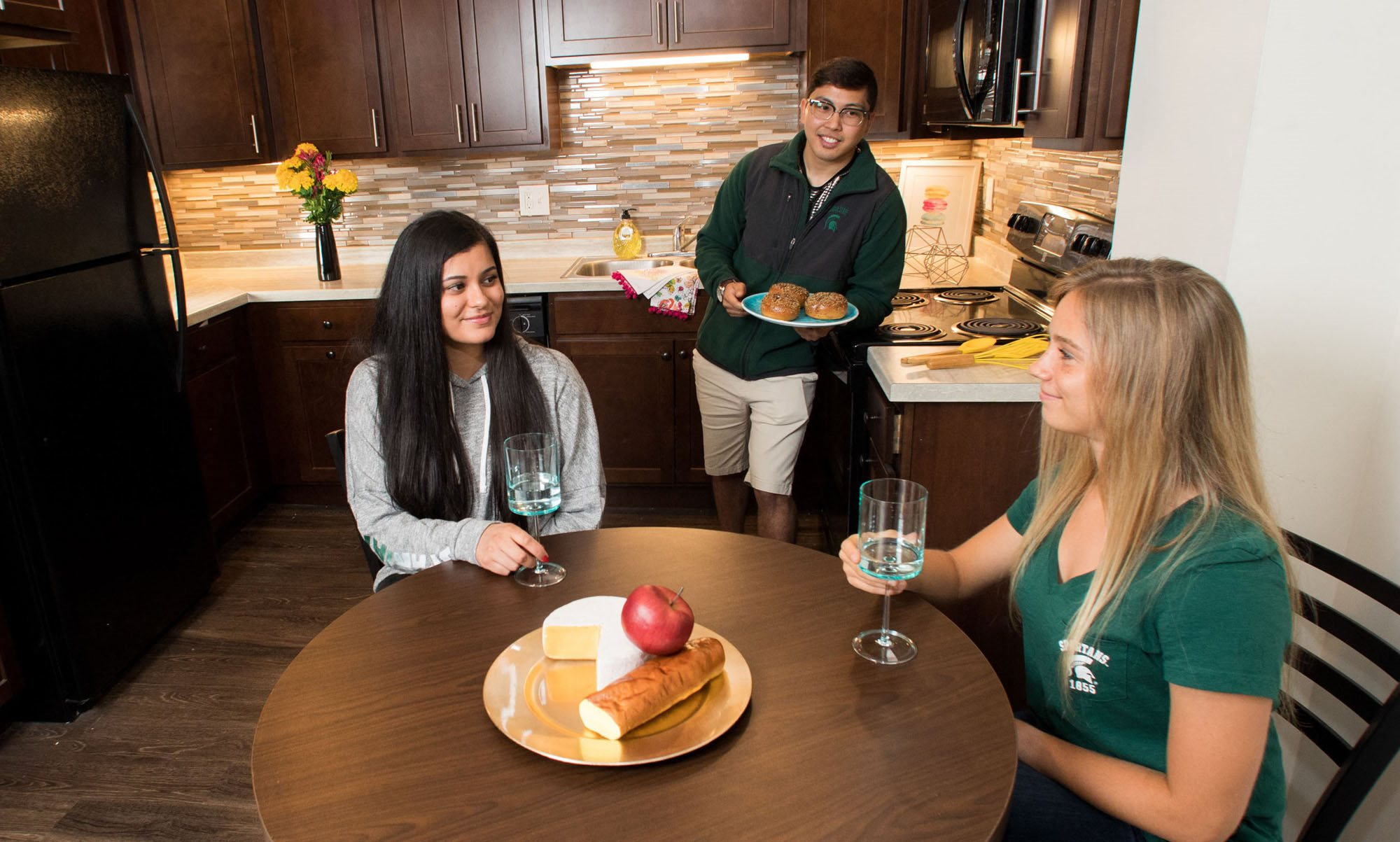 East Lansing Apartments near Michigan State University | Eden Roc Apartments