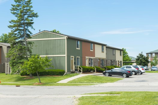 Oakbrook Townhomes Community Thumbnail 1