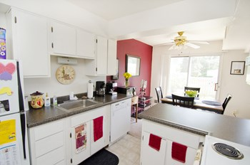 6120-6263 Gossard Ave. 1-2 Beds House for Rent Photo Gallery 1