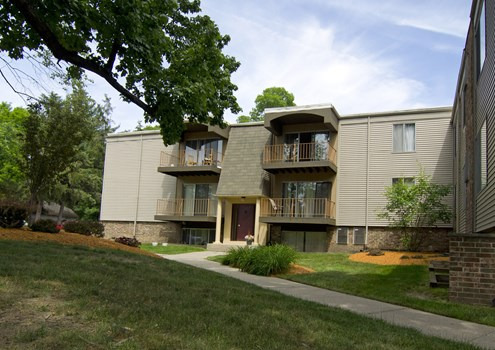 The Pines Apartments Community Thumbnail 1