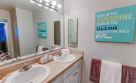 East Lansing Apartments near Michigan State University | University Terrace Apartments