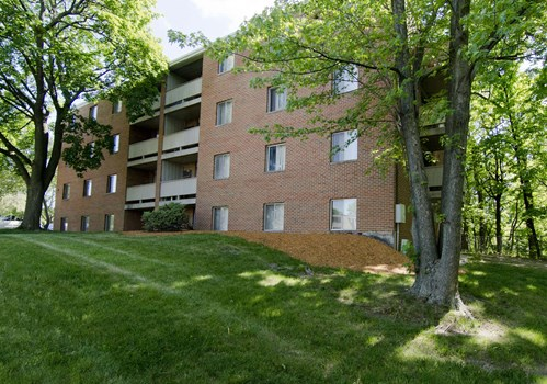 Woodmere Apartments Community Thumbnail 1
