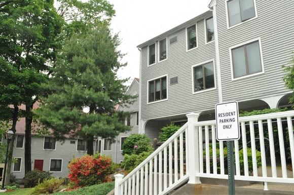 Machado House at Peter's Grove Exterior 2