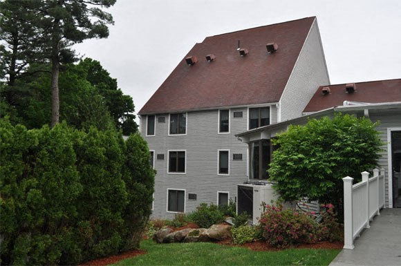 Machado House at Peter's Grove Exterior 4